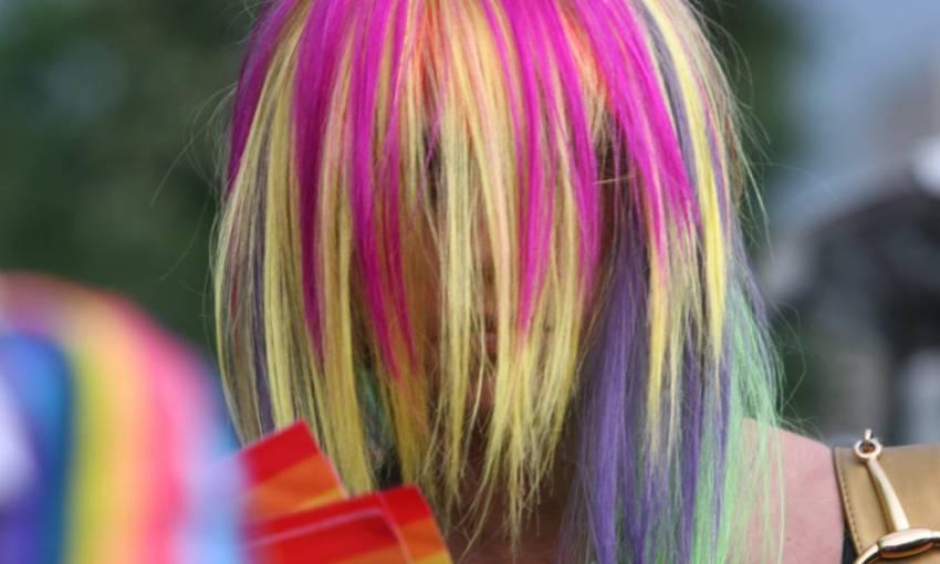 Parlamentul European ne dă cu LGBT în cap