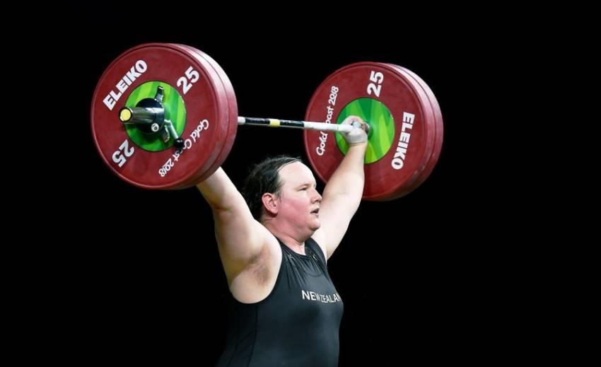 Raport: Sportivii transgender nu ar trebui să concureze împotriva femeilor